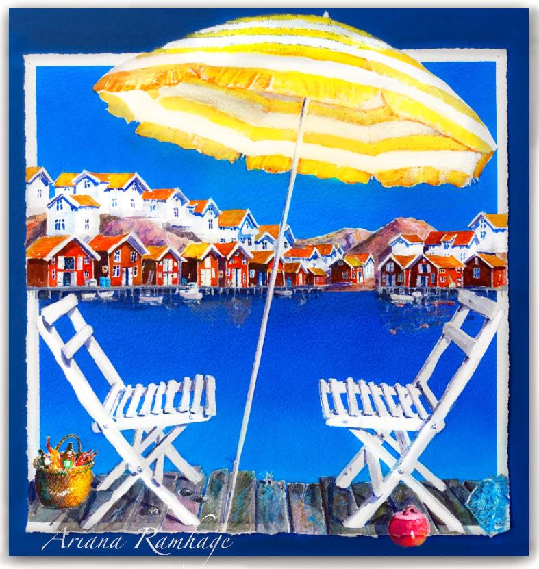 Vy över hamnen i Grundsund. Sommarbild med två vita stolar och en parasoll.