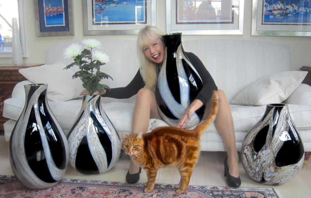 Svarta vaser + Ariana Ramhage + katt
